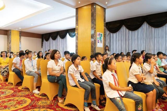 120 học sinh Hải Dương, Phú Thọ hào hứng nhận học bổng cùng BAEMIN Việt Nam - Ảnh 1.
