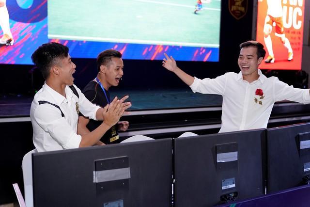 Bữa Đại tiệc Offline sinh nhật FIFA Online 4 Photo-11-15614530430951245277623