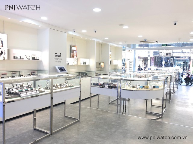 PNJ Watch welcomes the 21st member at Nguyen Van Troi, Ho Chi Minh City - Photo 2.