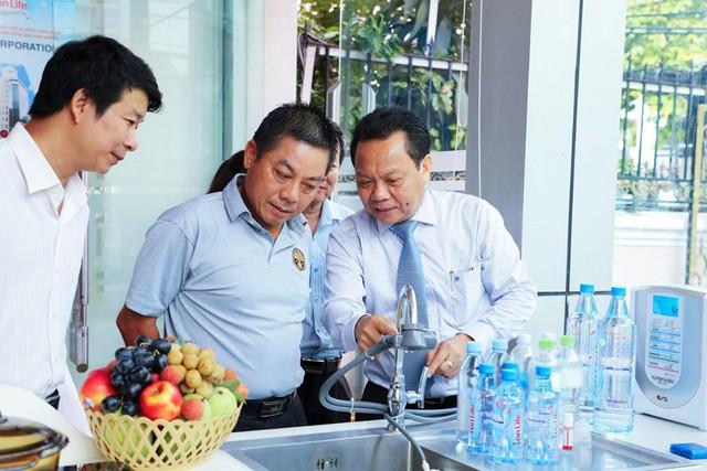 Không gian trải nghiệm thiết bị sản xuất nước ion kiềm trong gia đình thông minh của Nhật Bản ra mắt tại Việt Nam - Ảnh 1.