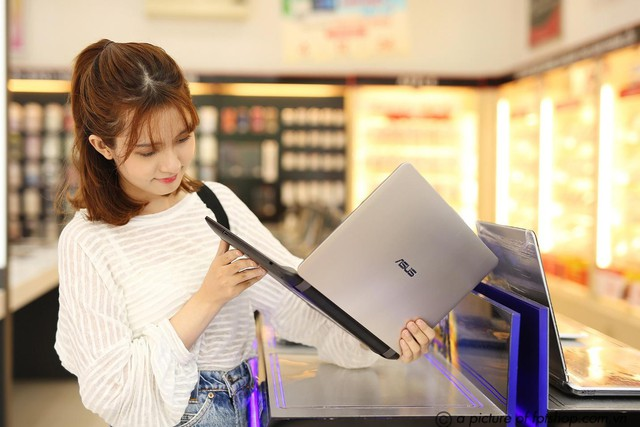 FPT Shop presents gifts of up to 2.5 million to customers who buy modern laptops - Photo 2.
