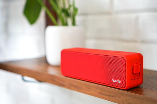 This stylish looking bluetooth speaker is a bonus when booking OPPO Reno - Photo 11.