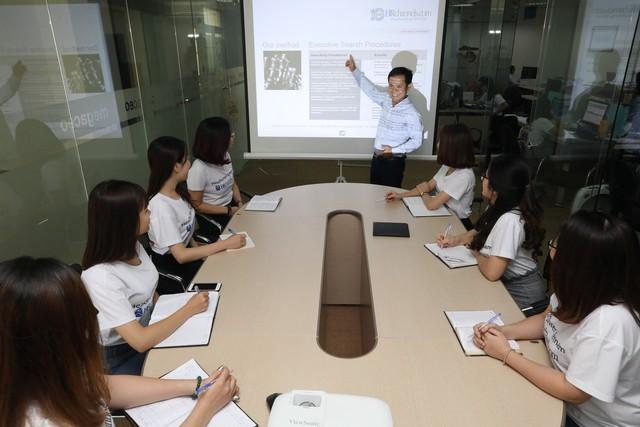 HRchannels: 10 nămkhẳng định vị thế trong ngành tuyển dụng nhân sự cấp cao - Ảnh 1.