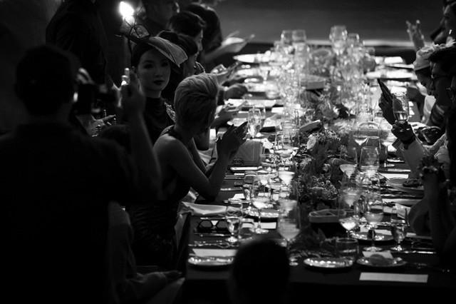Những con số ấn tượng khẳng định đẳng cấp triển lãm thời trang do Vietnam Fashion Academy tổ chức - Ảnh 1.