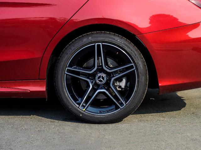 Làm gì khi lốp xe Mercedes-Benz bị thủng? – Kỳ I - Ảnh 1.