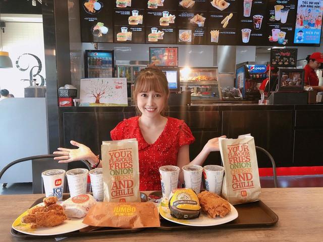 """Loạt combo burger giảm giá, rẻ đến mức """"cô hồn"""" cũng phải trầm trồ - Ảnh 4."""