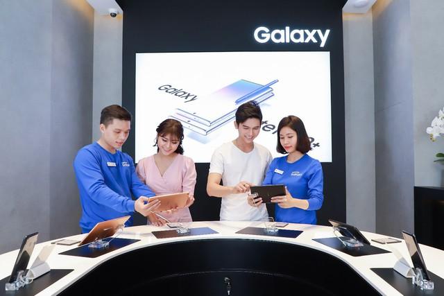 Một ngày khám phá cửa hàng trải nghiệm Samsung chuẩn quốc tế vừa ra mắt - Ảnh 2.