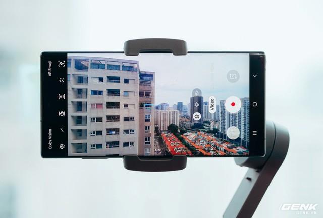 Trên tay gimbal Osmo Mobile 3 đầu tiên tại Việt Nam: Gập gọn được, rẻ hơn và thông minh hơn, rất phù hợp với camera góc siêu rộng. - Ảnh 6.