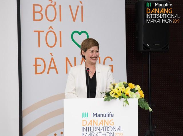 manulife - ba marilyn wang giam doc tiep thi manulife viet nam tai hop bao 15651719583591706678897 - Manulife truyền cảm hứng về phong cách sống năng động tại Việt Nam