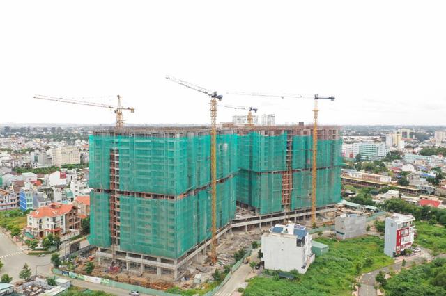 Chính thức cất nóc Topaz Twins - toà tháp đôi căn hộ cao cấp của Biên Hoà - Ảnh 2.