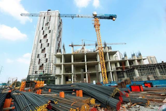 """Lựa chọn nào cho khách hàng trong bối cảnh """"siết"""" pháp lý dự án bất động sản tại Hà Nội? - Ảnh 1."""