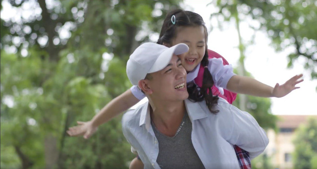 """Nhất Kiếm Giang Hồ gây xúc động cực mạnh với clip """"Lời nói dối của ba"""" - Ảnh 2."""