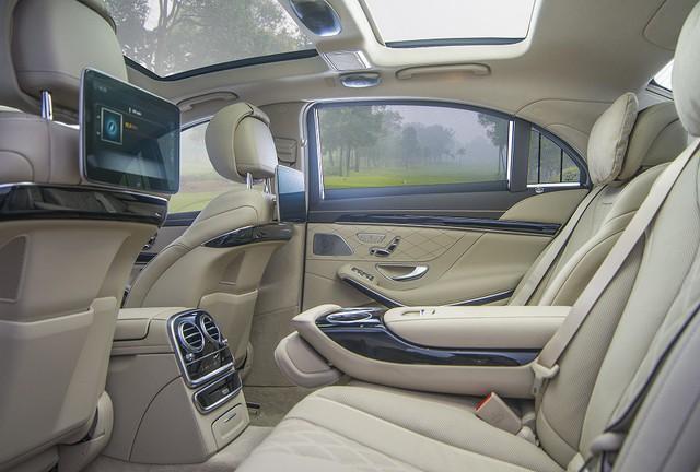 Mercedes-Benz Việt Nam bàn giao xe sang S 450 L cho khách sạn Park Hyatt Saigon - Ảnh 1.