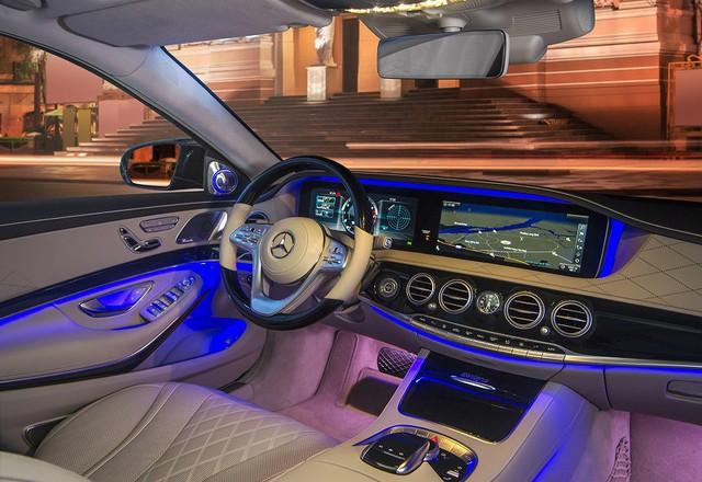 Mercedes-Benz Việt Nam bàn giao xe sang S 450 L cho khách sạn Park Hyatt Saigon - Ảnh 2.