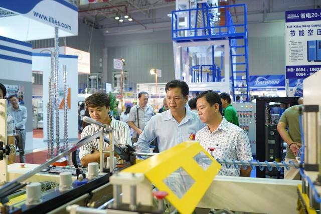 Đón cơ hội phát triển ngành nhựa và cao su - Ảnh 1.