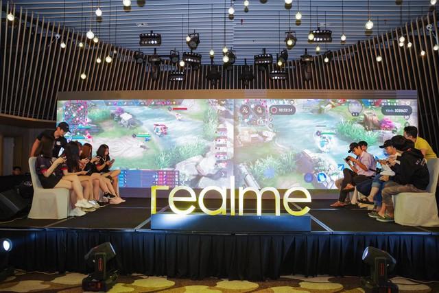 Không khí sôi động trong sự kiện offline Realfans trước ngày ra mắt Realme 5 series tại Việt Nam - Ảnh 7.