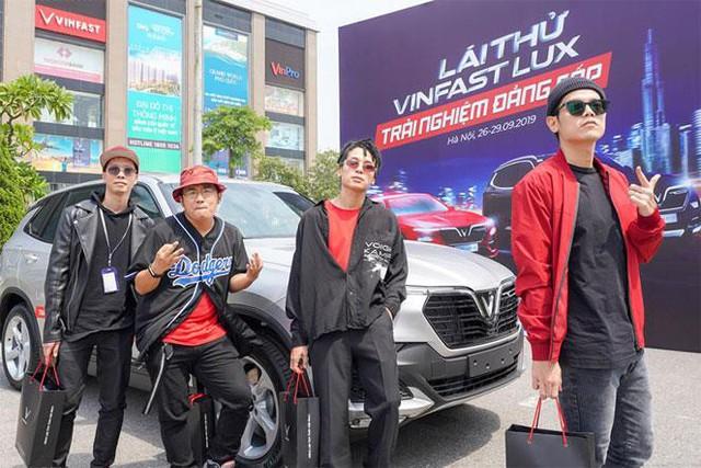 Hàng nghìn lượt khách phấn khích lái thử xe VinFast Lux tại Hà Nội - Ảnh 14.