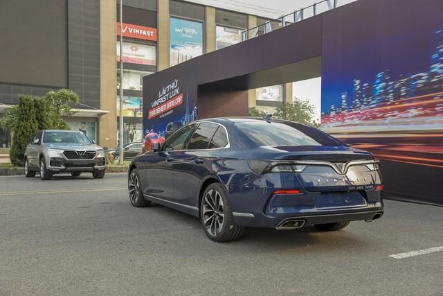 Hàng nghìn lượt khách phấn khích lái thử xe VinFast Lux tại Hà Nội - Ảnh 2.