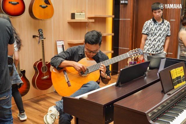 Khai trương tưng bừng ngập tràn quà tặng với Yamaha Music VN tại Aeon mall Tân Phú   - Ảnh 2.
