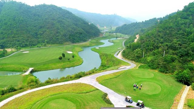 Khai trương Geleximco Hilltop Valley - sân golf độc đáo bậc nhất Việt Nam - Ảnh 2.