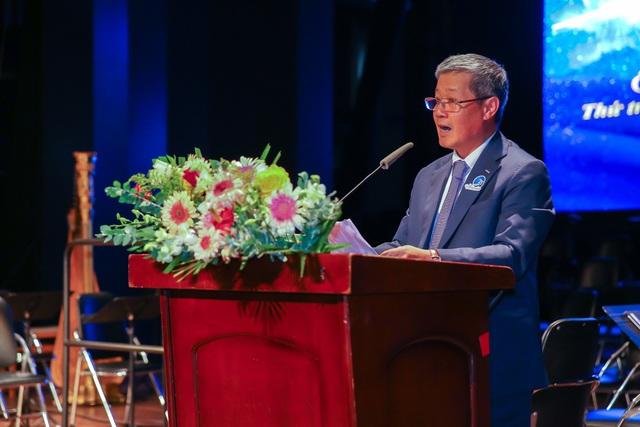 Thứ trưởng Bộ Thông Tin & Truyền thông trao bằng khen cho HPT Việt Nam nhân lễ kỉ niệm 25 năm thành lập - Ảnh 2.
