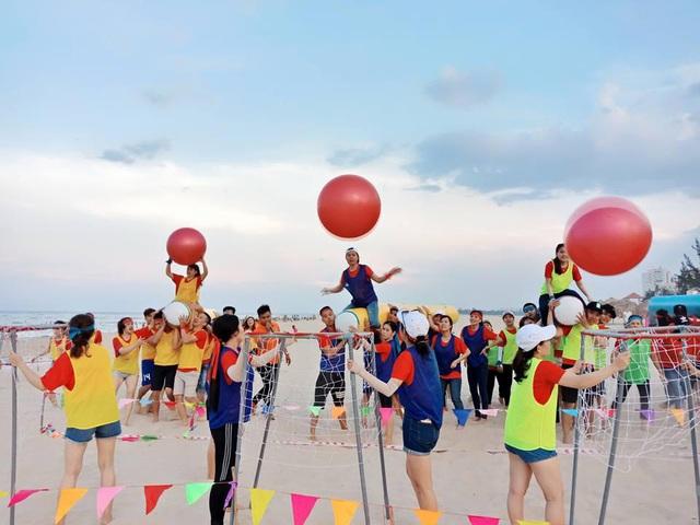 Nghỉ dưỡng kết hợp các hoạt động thể thao chính là trào lưu team building mới - Ảnh 1.