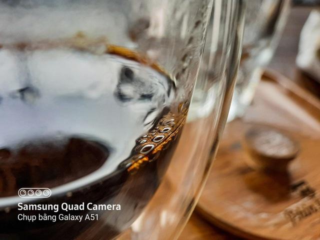 Nhâm nhi cà phê bao lâu nhưng đã bao giờ bạn tận mắt nhìn kỹ xem hạt cà phê trông như thế nào chưa? - Ảnh 1.
