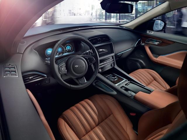 Jaguar F-Pace – Chiến mã của những người đam mê tốc độ và tính thẩm mỹ - Ảnh 2.