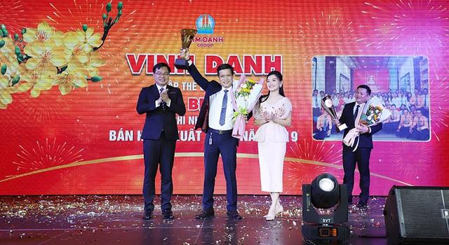"""1.000 nhân viên tham dự gala """"Xuân Khát Vọng"""" của Kim Oanh Group - Ảnh 3."""