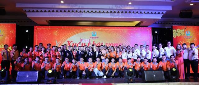 """1.000 nhân viên tham dự gala """"Xuân Khát Vọng"""" của Kim Oanh Group - Ảnh 8."""