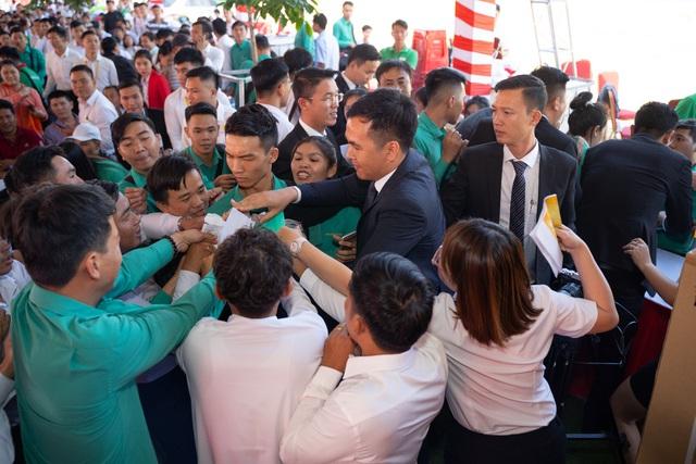 Chen chân giành suất mua đất nền thương mại Lộc Phát - Ảnh 1.