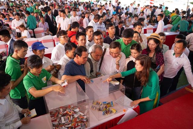 Chen chân giành suất mua đất nền thương mại Lộc Phát - Ảnh 2.