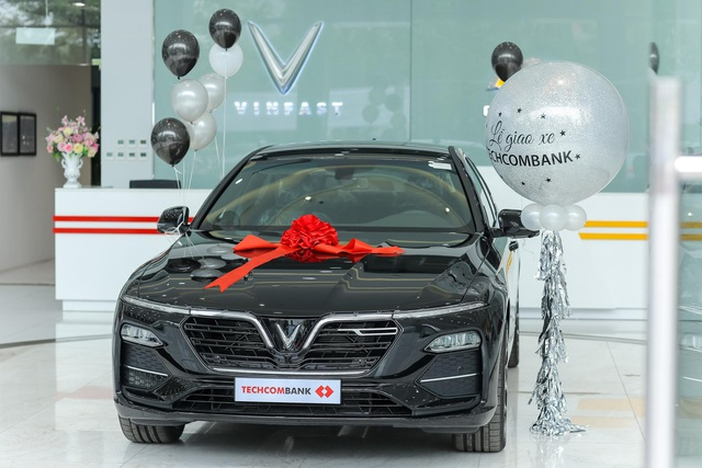 Sở hữu xe VinFast dễ dàng hơn với (sự trợ giúp của) Techcombank - Ảnh 2.