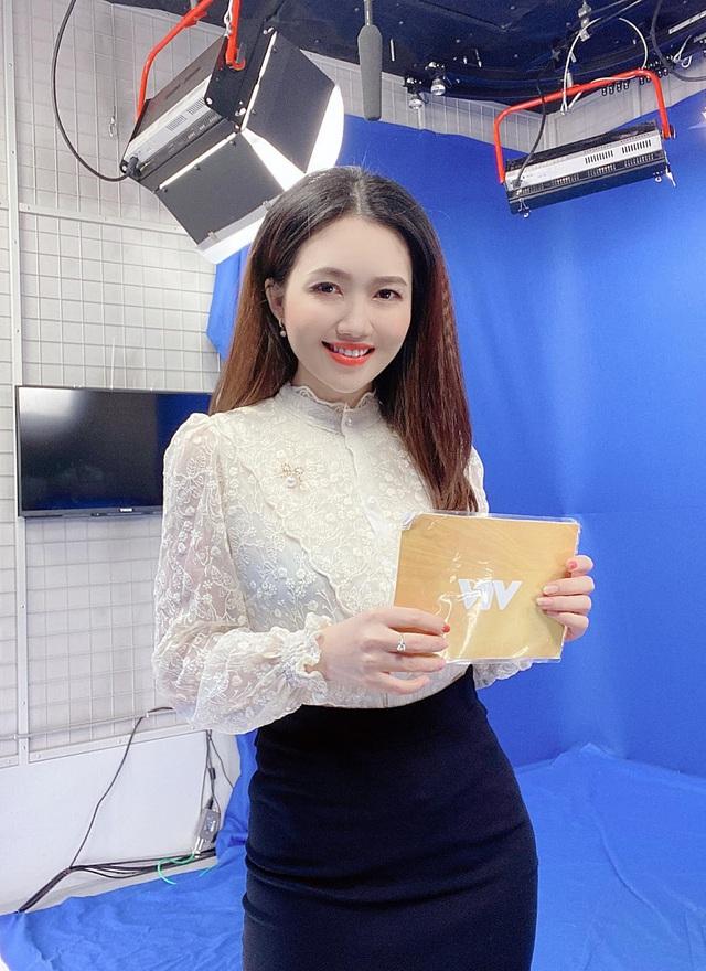Dương Huyền, nữ MC thời tiết VTV3 Da trắng khiến tôi cảm thấy tự tin và quyến rũ hơn - Ảnh 1.