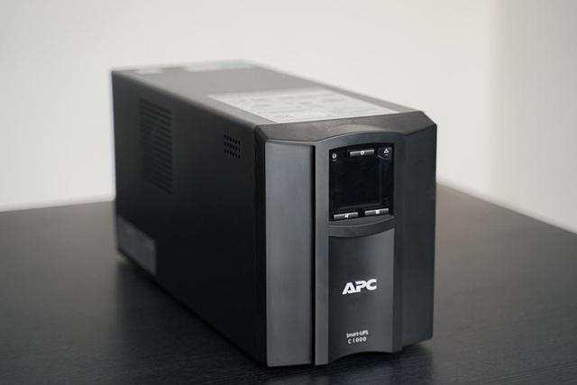 Trải nghiệm APC Smart-UPS SMC1000IC: Bộ lưu điện kết nối đám mây giúp theo dõi UPS từ xa, mọi lúc mọi nơi, trên mọi thiết bị - Ảnh 1.