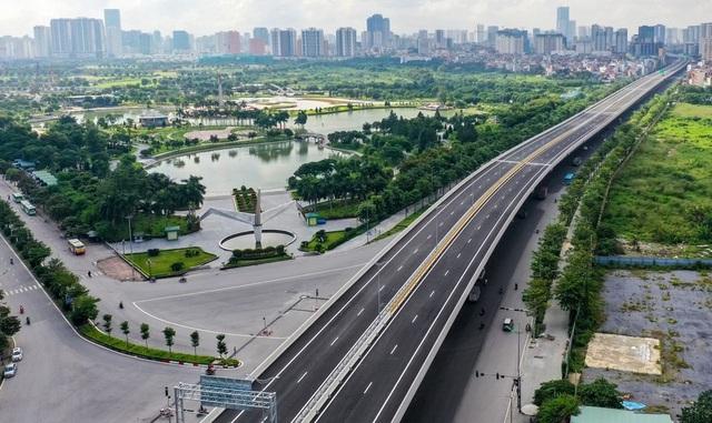 Đường Phạm Văn Đồng chính thức thông xe, BĐS Tây Hồ Tây không ngừng tăng giá trị - Ảnh 1.
