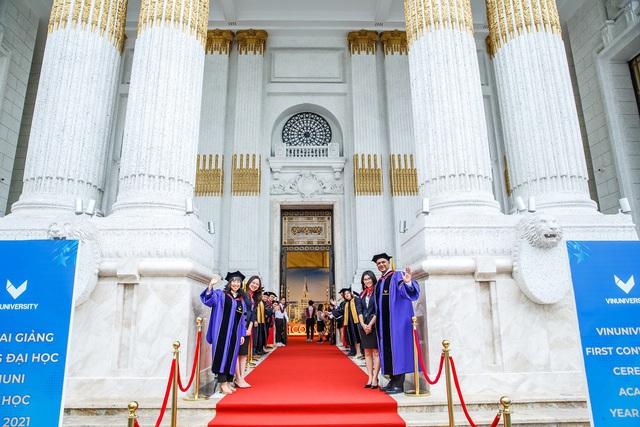 Trường đại học VinUni khai giảng năm học đầu tiên - Ảnh 2.