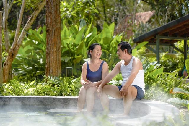 Thiên đường tắm khoáng Around The World Spa tại Minera Hot Springs Bình Châu có gì đặc biệt? - Ảnh 2.