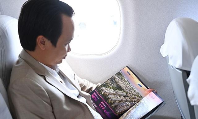 Chủ tịch Bamboo Airways cùng hành khách bay thẳng Hà Nội - Côn Đảo ngày khai trương - Ảnh 4.