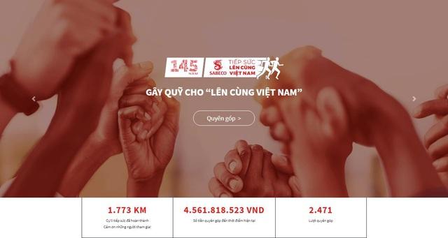 """""""Lên cùng Việt Nam"""" trích 1 tỷ đồng quyên góp được để ủng hộ đồng bào lũ lụt miền Trung - Ảnh 1."""