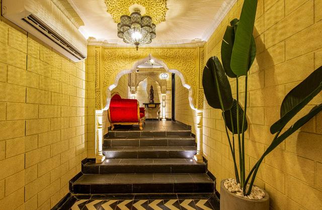 Chiêm ngưỡng lâu đài trắng Casablanca của xứ Maroc ngay lòng Sài Gòn - Ảnh 2.