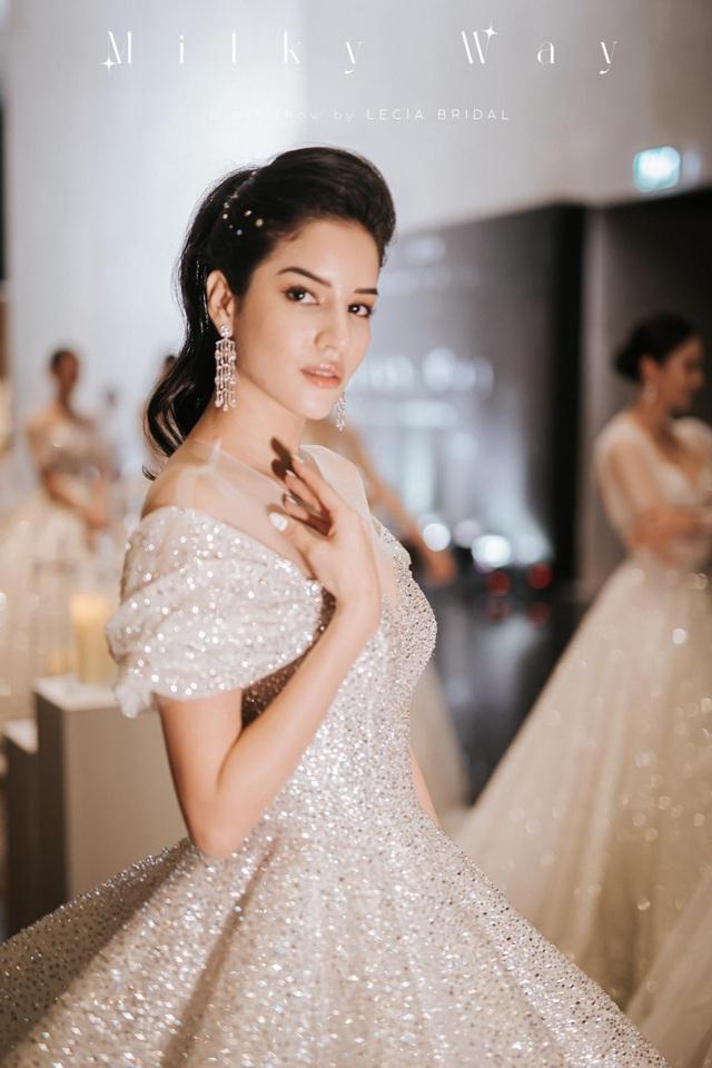 Á hậu Hoàng Anh hóa cô dâu lộng lẫy với váy cưới đính 50.000 viên pha lê Swarovski - ảnh 5