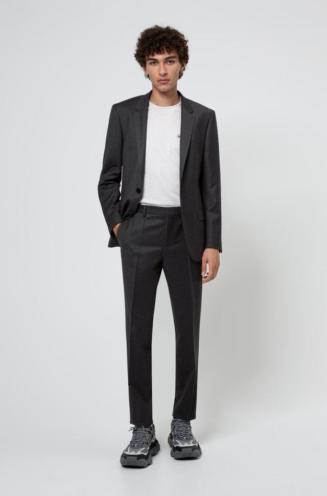 Ném suit vào máy giặt, gấp gọn bỏ vali: Loạt phục trang ứng dụng thú vị từ HUGO ghi điểm mạnh mẽ với phong cách quý ông - ảnh 5