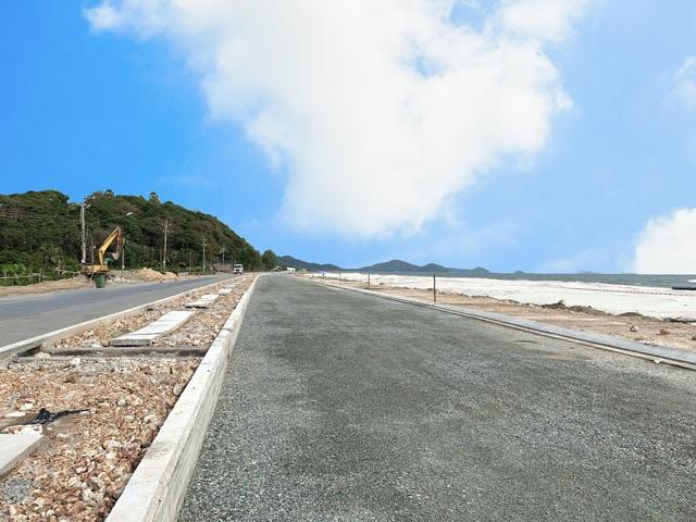 Nhà đầu tư đổ về Hà Tiên gom đất đón cao tốc Lộ Tẻ - Rạch Sỏi - Ảnh 1.