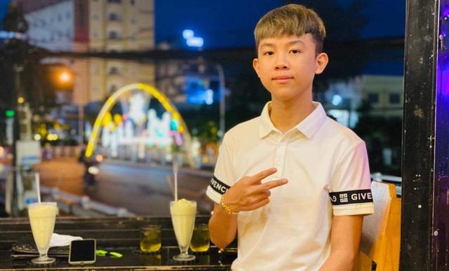 Nguyễn Bảo Quý: 10X sở hữu kênh Youtube AFK Quý11N TV đạt nút bạc - Ảnh 2.