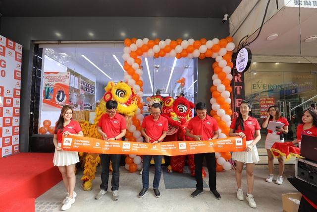 Xiaomi khai trương cửa hàng Mi Store ủy quyền tại Hà Nội - Ảnh 1.