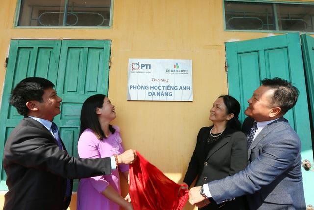 PTI bàn giao phòng học Tiếng Anh đa năng và trao tặng thiết bị giảng dạy tại Ninh Bình - Ảnh 2.