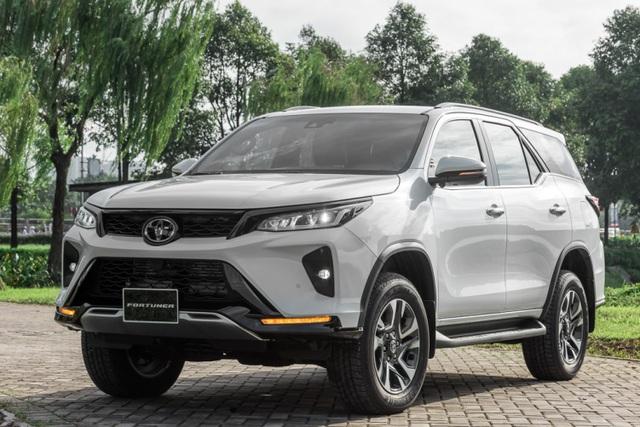 """Toyota Fortuner 2.4L Legender có đáng """"đồng tiền bát gạo""""? - Ảnh 1."""