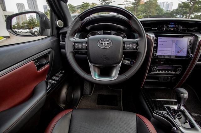 """Toyota Fortuner 2.4L Legender có đáng """"đồng tiền bát gạo""""? - Ảnh 3."""