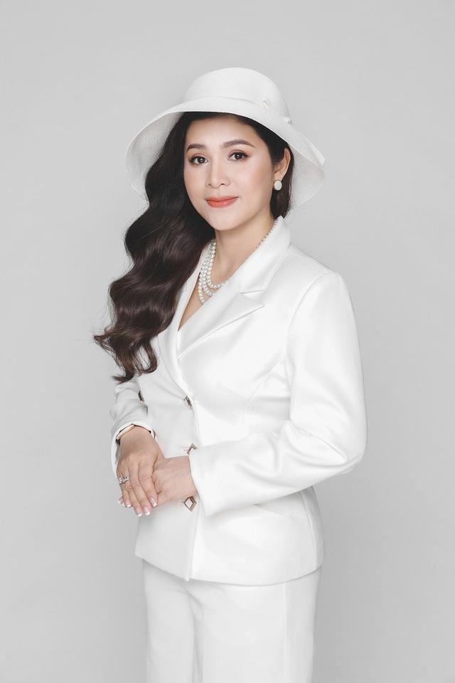 Nữ CEO đầu tiên trong ngành cà phê Việt Nam nhận giải thưởng Nữ CEO truyền cảm hứng toàn cầu - Ảnh 1.